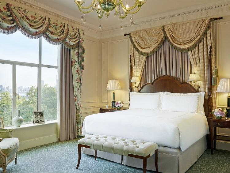 one-bedroom-suite-bedroom 1.jpg