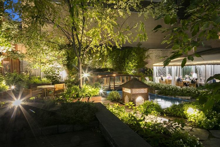 Ritz_Montreal Garden 18 - Copie RESIZED.jpg