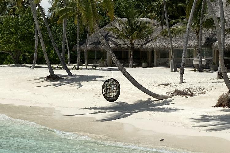 Image 1 - Maldives Rezised.png