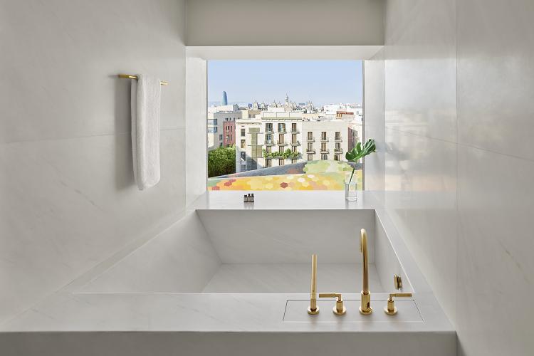 Loft Suite Bathroom with Santa Caterina Market Views.png