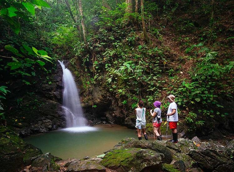 Lapa Rios waterfall resized.jpg