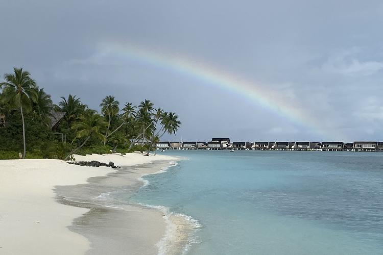 Image 4 - Maldives Rezised.png