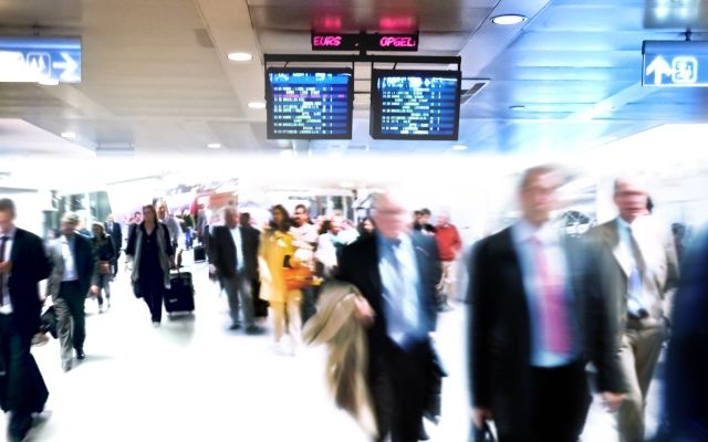 Busy-terminal-airport-resized.jpg