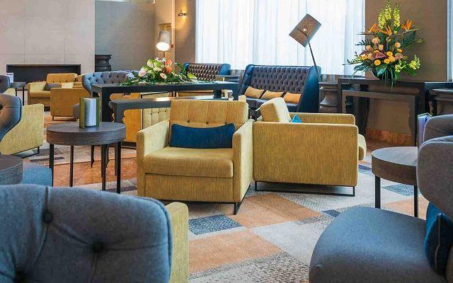 SBA_HotelLobby_03.jpg