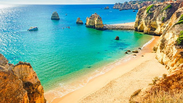 private-travel_destinations_europe_portugal_thumbnail.jpg